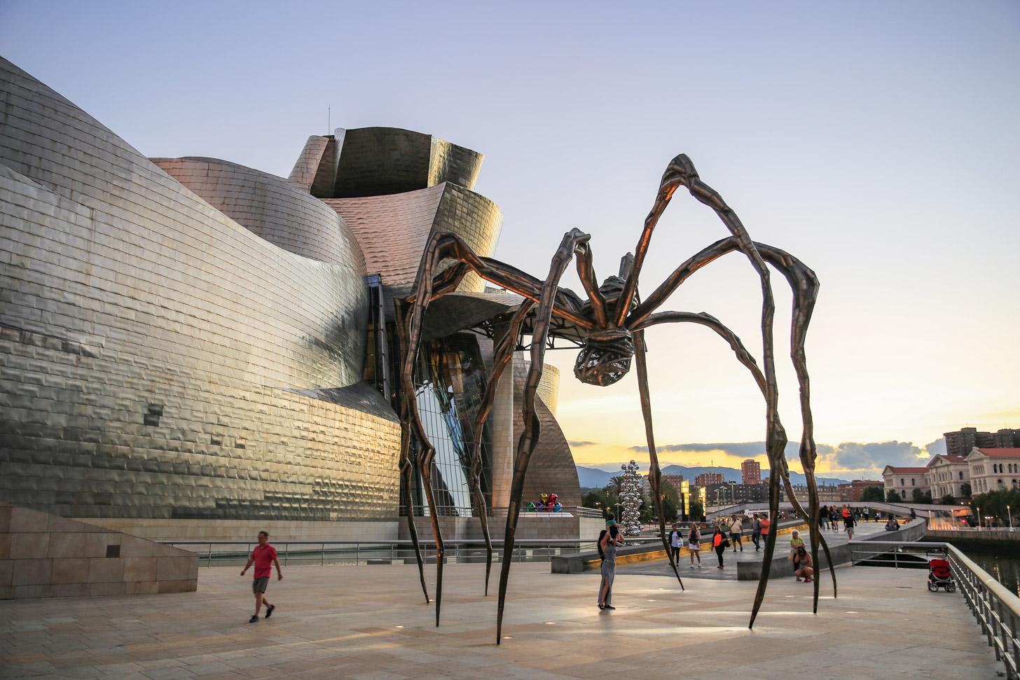Maman, de spin bij het Guggenheim